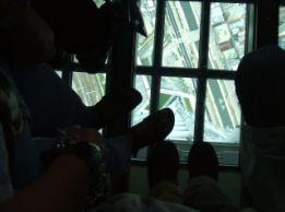 201207-ガラス床.JPG